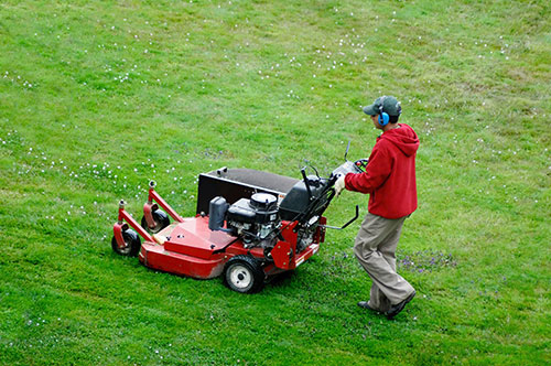 Routine-Lawn-Mower-Maintenance-Dallas