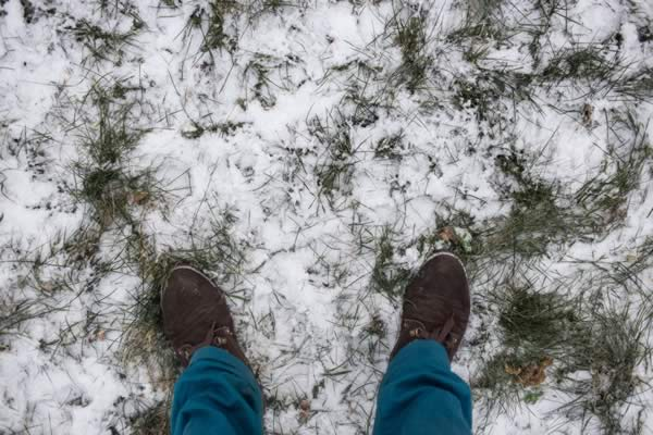 winter-yard-work-snow